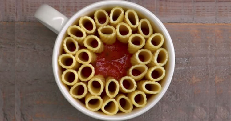 His Method To Cooking Pasta Might Look Strange, But It Comes Out Perfect Every Time (video)