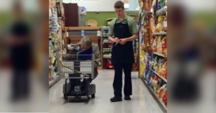 Young Worker Has No Idea He's Being Photographed, Story Behind Photo Is Making Headlines