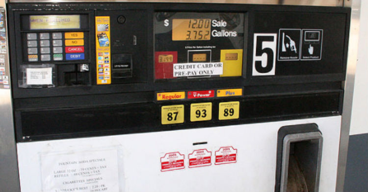Most Gas Stations Sell Dirty Fuel, Here's The Official List Of Ones That Sell Clean Gas