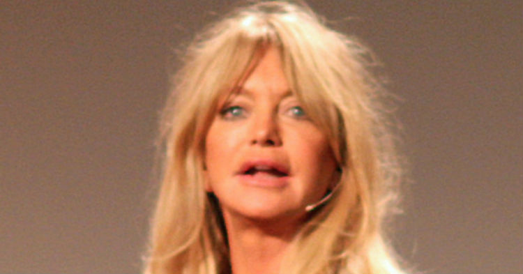 Goldie Hawn Finally Breaks Her Silence, Shares Heartbreaking News. Let's All Pray