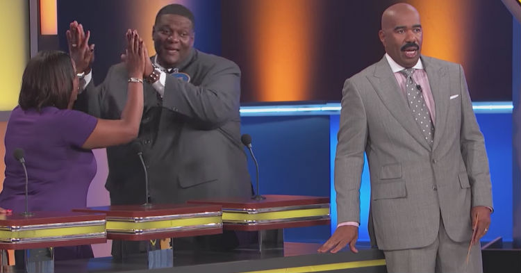Here's The Answer That Forced Steve Harvey To Stop The Show To Regroup