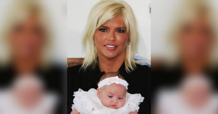 Anna Nicole Smith's Daughter Is Now All Grown Up, Looks Like Spitting Image Of Her Mom
