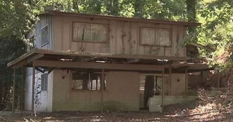 Homeless Man Peers Into Abandoned Home In Woods, Spots Terrifying Scene