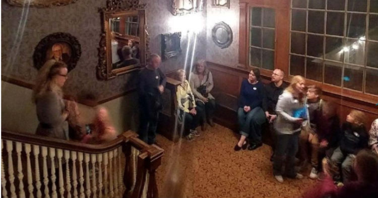 Even The Biggest Doubters Believe In Ghosts After Seeing Photo From America's Most Haunted Hotel