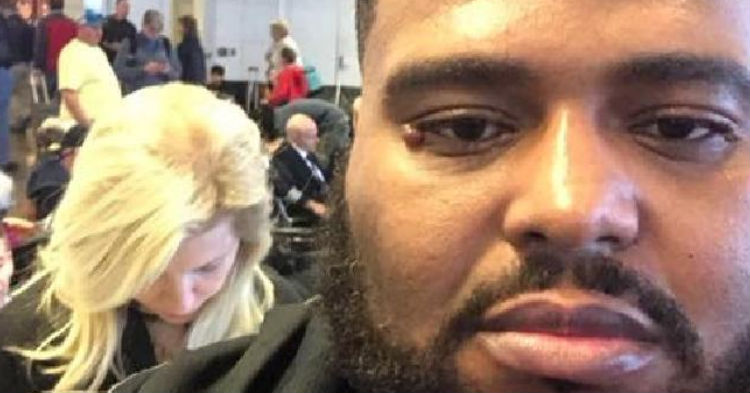 Man Responds To Racist Lady Behind Him In Plane Boarding Line, Gets A Round Of Applause