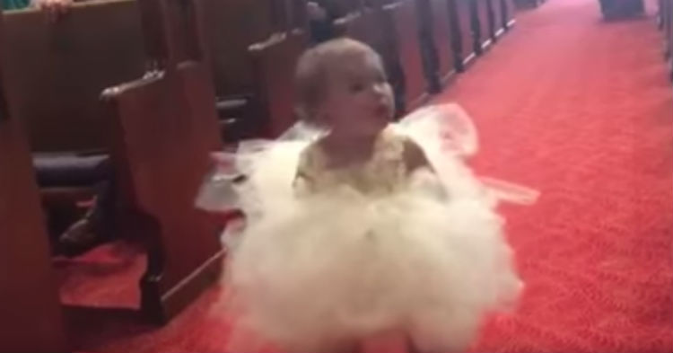 Flower Girl Looks Lost Not Seeing Her Parents, Now Watch When She Sees Daddy At The Alter